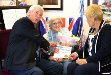 Alderwood Resident Celebrates 101st Birthday with the Local Mayor