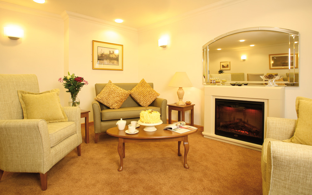 Lounge interior, Acacia Lodge, Henley